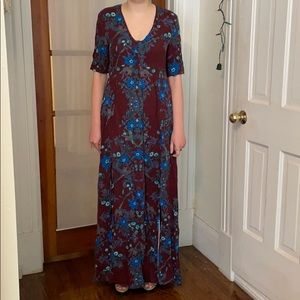 Floral maxi dress with two front slits